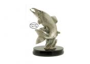 Antiikkihopeoitu kalapatsas